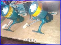 (2) Vintage Penn 704 Spinfisher Spinning Reels, Vintage Penn Reels