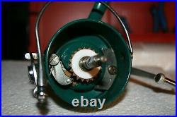 Beautiful Nos Penn 710 Medium Saltwater Spinning Fishing Reel
