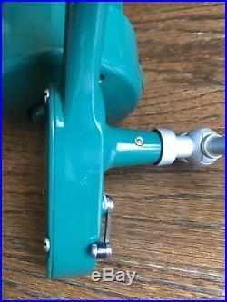 Beautiful Penn 707 Left Handed Spinfisher Reel Vintage Greenie Manual Pickup