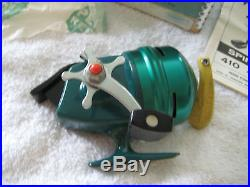 COLLECTORS VERY RARE BRAND NEW PENN 420 DELUXE CLOSED FACE SPINNING REEL