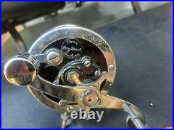 Early Penn Long Beach Deluxe with waffle clicker vintage fishing reel antique
