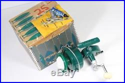 MINT Penn 710 Spinfisher Reel Vintage Green BOXED