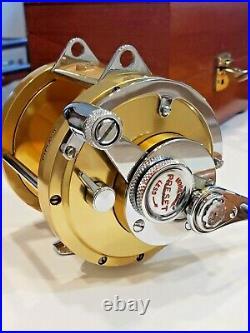 Mint Gold anodized Penn International 50th Anniversary 1932-1982 s/n 55 in box