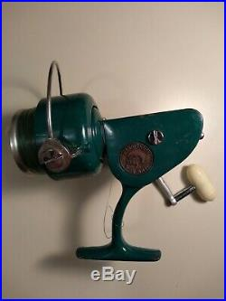 Penn 712 Spinfisher Spinning Reel E++++ Clean Works Perfectly With Fishing Line