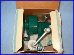 Penn Model 707 Reel withBox, Instructions withManual Pickup, Right Hand Drive