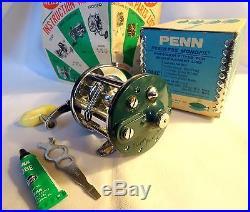 VINTAGE PENN PEERLESS MONOFIL 9 RARE TEAL GREEN REEL IN BOX, MINTY