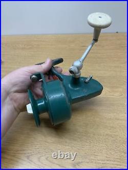 Vintage Fishing Spinning Reel- PENN 706 Greenie