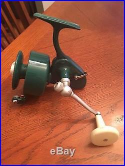 Vintage Green Penn 706 Spinning Fishing Reel Nice Manual Pickup