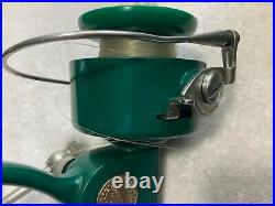 Vintage Near Mint Green PENN SPINFISHER 710 SPINNING REEL Made in USA Greenie