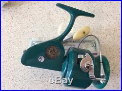Vintage PENN 710 SPINFISHER Spinning Reel NICE