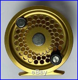 Vintage PENN INTERNATIONAL 2.5G GOLD FLY Fishing Reel ORIGINAL BOX POUCH Unused