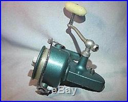 Vintage PENN SPINFISHER # 704 Spinning Reel