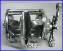 Vintage Penn 25 Gray Mono Reel