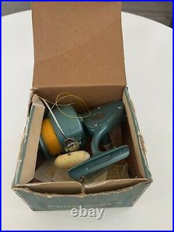 Vintage Penn 704 Spinfisher Large Saltwater Fishing Reel Box & Manual See Info