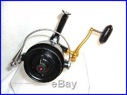 Vintage Penn 704 Z Spinning Fishing Reel Made In USA Excellent Condition Minty