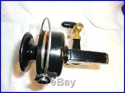 Vintage Penn 704 Z Spinning Fishing Reel Made In USA Excellent Condition Nice
