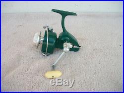 Vintage Penn 712 Spinfisher Spinning Reel Green Nice
