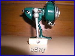 Vintage Penn #714 Spinfisher green spinning reel