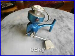 Vintage Penn 720 Spinning Reel First Model Blue/Green Fish Logo WORKS GREAT