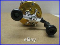 Vintage Penn 940 Levelmatic Casting Reel