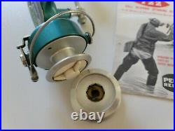 Vintage Penn Deluxe No. 722 Ball Bearing Spinning Reel with Manual & Add. Spool