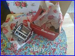 Vintage Penn Fishing Reel 209 mf. With box and papers