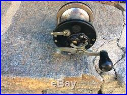 Vintage Penn LONG BEACH Conventional Reel with WOOD Handle & KNURLED Button