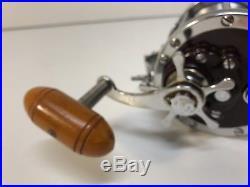 Vintage Penn Senator 114-H, 6/0 Saltwater Fishing Reel with Rod Clamp