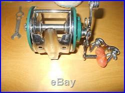 Vintage Rare Fishing Reel Penn 209 Teal or Green Nice rods reels n deals