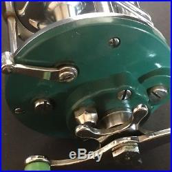Vtg Penn Peer 109 Casting Fishing Reel Green Chrome Lime Handles Level Wind USA