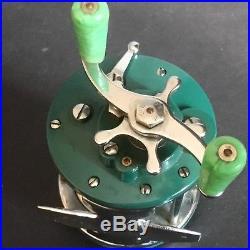 Vtg Penn Peer Casting Reel 109 Green Chrome Body Lime Handles Level Wind USA